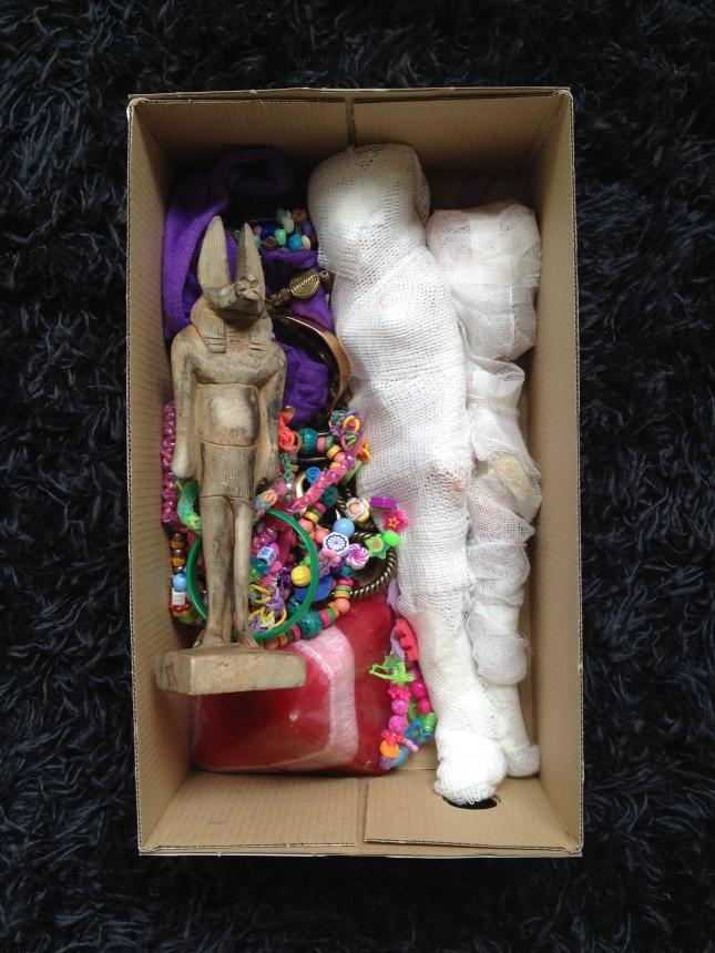 7 momias en caja